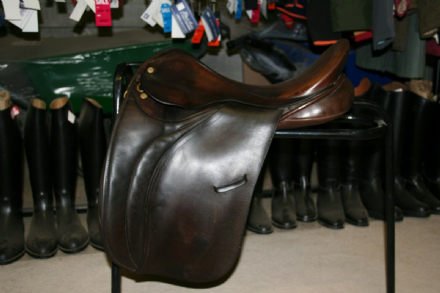 "Loriner 17.5"" Show Hunter Brown Leather Saddle Medium Width"